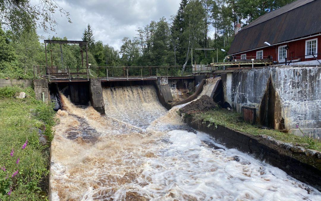 En sommardag i juli vid doseraren i Krokån i Vrå.   Vi på Movab önskar alla en härlig sommar.